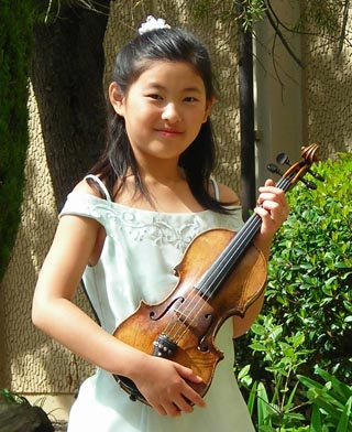 Photo of Mindy Chen - Guest Artist